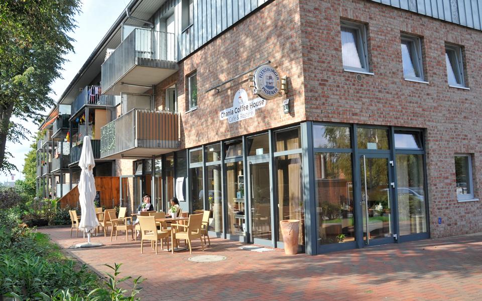 Das Chania Coffee House, von der Straße aus fotografiert